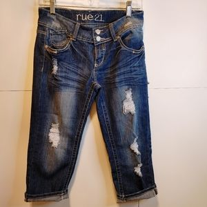 Rue21 Distressed cropped Jeans